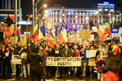 Ρουμάνοι που διαμαρτύρονται ενάντια στο Gouvernment στο Sibiu Στοκ Φωτογραφία