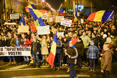 Ρουμάνοι που διαμαρτύρονται ενάντια στο Gouvernment στο Sibiu Στοκ Εικόνα