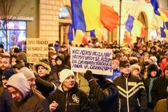 Ρουμάνοι που διαμαρτύρονται ενάντια στο Gouvernment στο Sibiu Στοκ φωτογραφίες με δικαίωμα ελεύθερης χρήσης