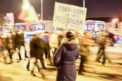 Ρουμάνοι που διαμαρτύρονται ενάντια στο Gouvernment στο Sibiu Στοκ Εικόνες