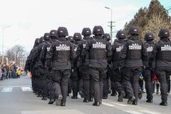 Ρουμανική στρατιωτική παρέλαση εθνικής μέρας στοκ φωτογραφίες