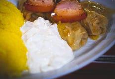 Ρουμανικό παραδοσιακό πιάτο στο πιάτο στοκ εικόνα με δικαίωμα ελεύθερης χρήσης