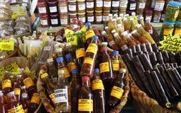 Ρούμι και διάτρηση στην αγορά Sainte Anne στη Μαρτινίκα Στοκ φωτογραφία με δικαίωμα ελεύθερης χρήσης