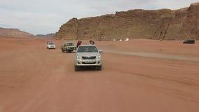 Ρούμι Wadi, ταξίδι της Ιορδανίας, γύρος τζιπ, έρημος απόθεμα βίντεο