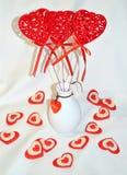 Ροδοκόκκινες κόκκινες καρδιές βελούδου Στοκ εικόνες με δικαίωμα ελεύθερης χρήσης