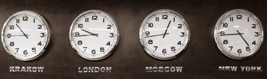 Ρολόγια - διαφορά ώρας Στοκ Εικόνες