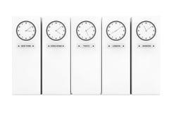 Ρολόγια διαφορών ώρας που παρουσιάζουν διαφορετικό χρόνο Στοκ Φωτογραφία