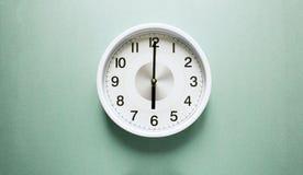 Ρολόι έξι ο ` Στοκ φωτογραφίες με δικαίωμα ελεύθερης χρήσης