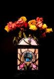 Ρολόι και νεκρά λουλούδια Στοκ Φωτογραφίες