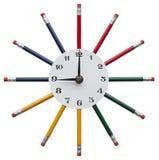 Ρολόι με τα μολύβια χρώματος Στοκ εικόνες με δικαίωμα ελεύθερης χρήσης