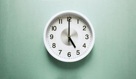 ρολόι πέντε ο Στοκ εικόνα με δικαίωμα ελεύθερης χρήσης