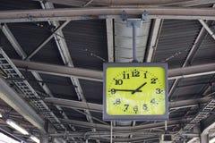 Ρολόι στο σταθμό τρένου Ιαπωνία Στοκ εικόνες με δικαίωμα ελεύθερης χρήσης