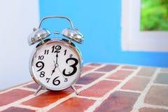 ρολόι συναγερμών αναδρομικό στοκ φωτογραφία με δικαίωμα ελεύθερης χρήσης