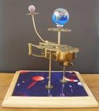 Ρολόι τέχνης πλανηταρίων steampunk με τους πλανήτες του ηλιακού συστήματος Στοκ Εικόνα