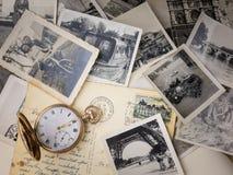 Ρολόι τσεπών με τις παλαιές φωτογραφίες Στοκ φωτογραφία με δικαίωμα ελεύθερης χρήσης