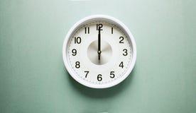 Ρολόι δώδεκα ο ` Στοκ Φωτογραφία