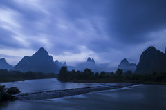 Ρυάκι ρευμάτων βουνών στοκ φωτογραφίες
