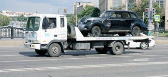 Ρυμούλκηση οχημάτων Στοκ Εικόνες
