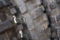 Ρωγμή, βρώμικη, χρησιμοποιημένη ρόδα ποδηλάτων μοτοκρός Στοκ φωτογραφία με δικαίωμα ελεύθερης χρήσης