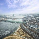 Ρωγμή σε μια επιφάνεια πάγου της παγωμένης τοπ άποψης ποταμών Han στο wint Στοκ εικόνες με δικαίωμα ελεύθερης χρήσης