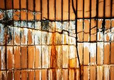 Ρωγμή στην επικεράμωση τοίχων στοκ φωτογραφία