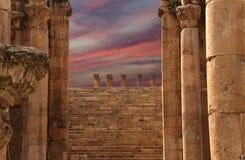 Ρωμαϊκές στήλες στην ιορδανική πόλη Jerash, Ιορδανία Στοκ Φωτογραφίες