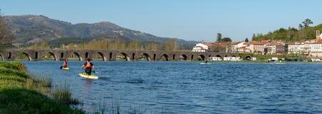 Ρωμαϊκή γέφυρα που διασχίζει το Ρίο Λίμα Στοκ Εικόνα