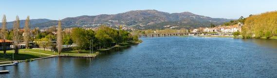 Ρωμαϊκή γέφυρα που διασχίζει το Ρίο Λίμα Στοκ Φωτογραφίες