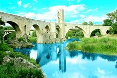 Ρωμαϊκή γέφυρα σε Besalú, Girona (Καταλωνία, Ισπανία) Στοκ Εικόνες