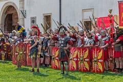 Ρωμαϊκοί στρατιώτες στο κοστούμι μάχης Στοκ εικόνα με δικαίωμα ελεύθερης χρήσης