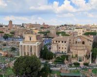 Ρωμαϊκό φόρουμ, ναός Antoninus Pius και Faustina Στοκ Φωτογραφίες
