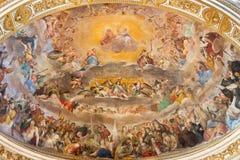 ΡΩΜΗ, ΙΤΑΛΙΑ, 2016: Η νωπογραφία της δόξας του ουρανού & x28 1630& x29  κύριο apse της εκκλησίας Basilica Di Santi Quattro Corona Στοκ εικόνες με δικαίωμα ελεύθερης χρήσης