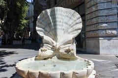 ΡΩΜΗ, ΙΤΑΛΙΑ - 22 ΙΟΥΝΊΟΥ 2017: Καταπληκτική άποψη Fontana delle API στην πλατεία Barberini στη Ρώμη Στοκ εικόνα με δικαίωμα ελεύθερης χρήσης