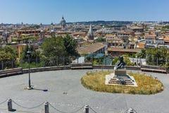 ΡΩΜΗ, ΙΤΑΛΙΑ - 22 ΙΟΥΝΊΟΥ 2017: Καταπληκτική πανοραμική άποψη από Viale del Belvedere στην πόλη της Ρώμης Στοκ εικόνα με δικαίωμα ελεύθερης χρήσης