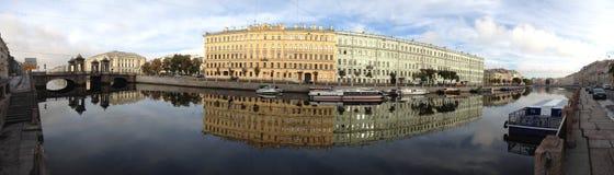 Ρωσία Άγιος-Πετρούπολη, ποταμός Fontanka πανοράματος Στοκ Εικόνες