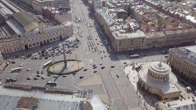 Ρωσία, Άγιος-Πετρούπολη, τον Αύγουστο του 2017 - εναέρια άποψη της πλατείας Vosstaniya στην Αγία Πετρούπολη απόθεμα βίντεο