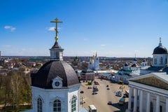 Ρωσία. Άποψη του τετραγώνου καθεδρικών ναών από τον πύργο κουδουνιών της εκκλησίας. στοκ εικόνες