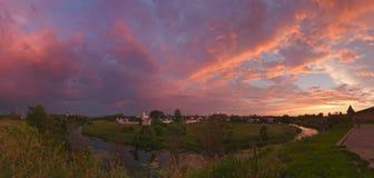 Ρωσία Θερινό ηλιοβασίλεμα στο Σούζνταλ Στοκ Φωτογραφίες