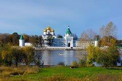 Ρωσία, πόλη Kostroma. Μοναστήρι Ipatievsky στοκ εικόνα