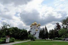 Ρωσία yaroslavl - 3 Ιουνίου 2016 1507 1533 χτισμένα υπόθεση έτη καθεδρικών ναών Στοκ Εικόνες