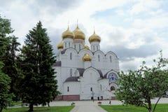Ρωσία yaroslavl - 3 Ιουνίου 2016 1507 1533 χτισμένα υπόθεση έτη καθεδρικών ναών Στοκ φωτογραφία με δικαίωμα ελεύθερης χρήσης