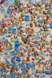 ΡΩΣΙΑ, ΜΟΣΧΑ, ΣΤΙΣ 7 ΙΟΥΝΊΟΥ 2017: Ρωσικά δώρο και κατάστημα αναμνηστικών στη διάσημη οδό Arbat Στοκ Εικόνα
