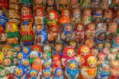 Ρωσικά αναμνηστικά που ονομάζονται την κούκλα matryoshka Στοκ Εικόνες