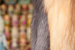 Ρωσικά γούνα και αναμνηστικό στις οδούς της Μόσχας Στοκ Εικόνες