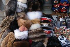 Ρωσικά καπέλα και αναμνηστικά Στοκ εικόνα με δικαίωμα ελεύθερης χρήσης