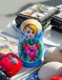 Ρωσικά παραδοσιακά αναμνηστικά κουκλών στην έκθεση Στοκ φωτογραφίες με δικαίωμα ελεύθερης χρήσης