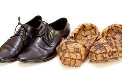 ρωσικά s ίνας ραφίας παπούτσ&i Στοκ Εικόνες