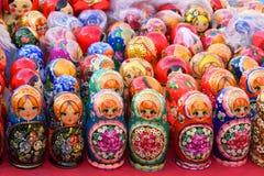 Ρωσικές να τοποθετηθεί κούκλες Στοκ φωτογραφίες με δικαίωμα ελεύθερης χρήσης