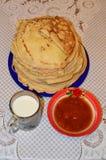 Ρωσικές τηγανίτες Στοκ Φωτογραφίες