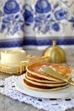 Ρωσικές τηγανίτες (oladi) στοκ εικόνες